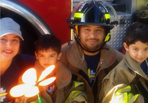 Gadiel Espinoza and family